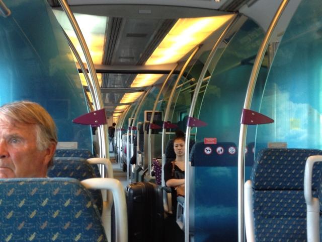 KLIA Express, perjalanan  yang eficien, selesa dan senyap  - Dis harap  MRT KL beroperasi   sebaik ini apabila siap nanti