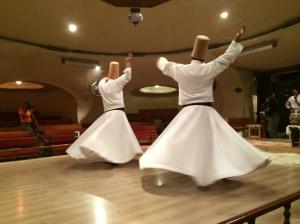 Tarian Sufi di zaman dahulu kini menjadi tarikan pelancong. Perlancongan adalah industri utama di Turkey. Pedang Rasulullah , gigi dan rambut beliau ada tersimpan di Topkapi Museum, Istanbul