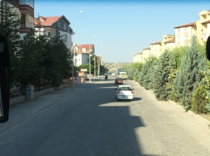 Penempatan baru seperti ini tumbuh seperti cendawan di serata bandar kecil dan desa Turki